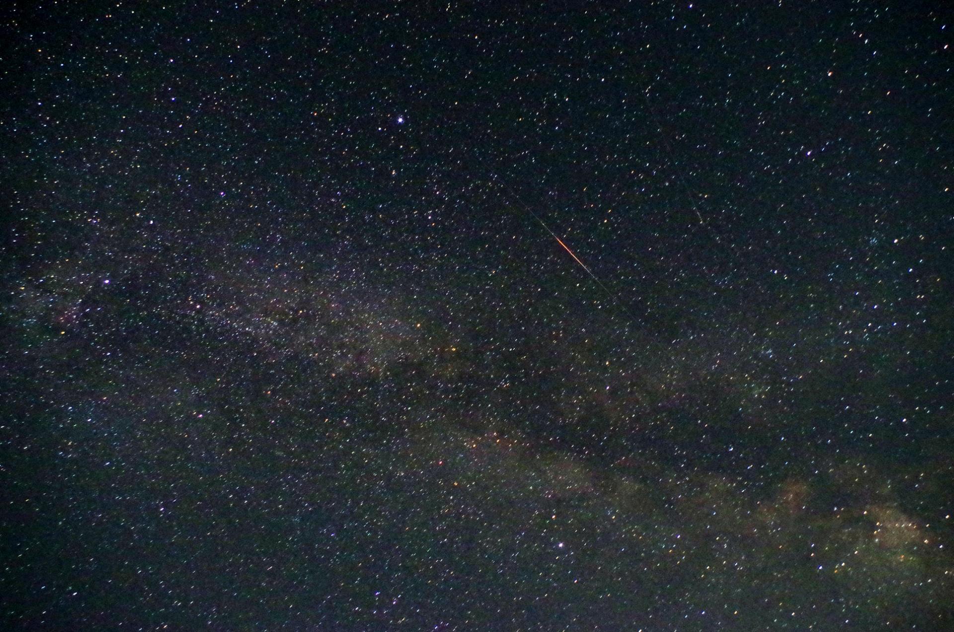 流れ星と夏の大三角形